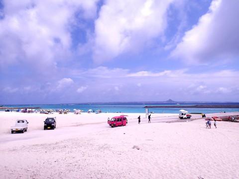 水納島の砂浜(船着き場付近)